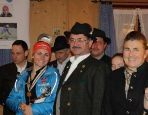 Elisabeth Willibald mit den stolzen Eltern